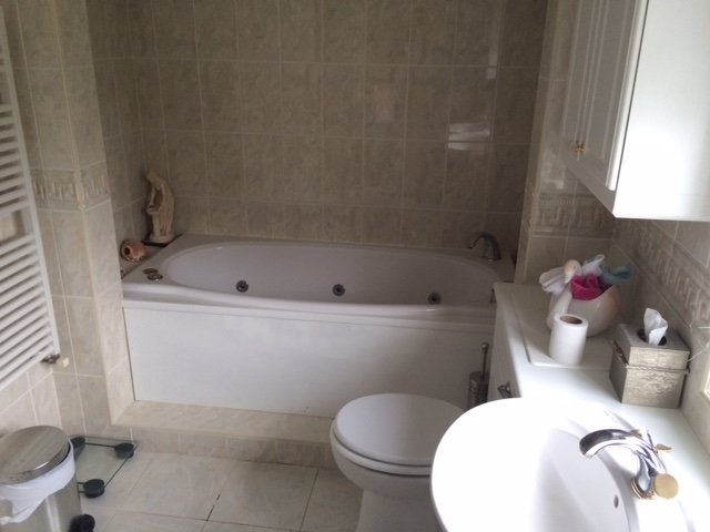 freehold detached guest house - 11