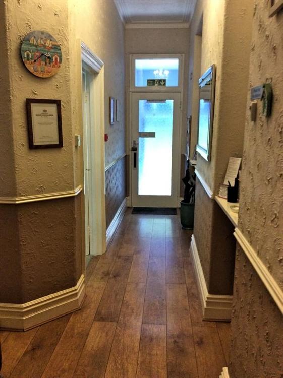 profitable guest house goodrington - 5