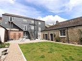 Large Renovated Property In The Heart Of Lostwithiel For Sale